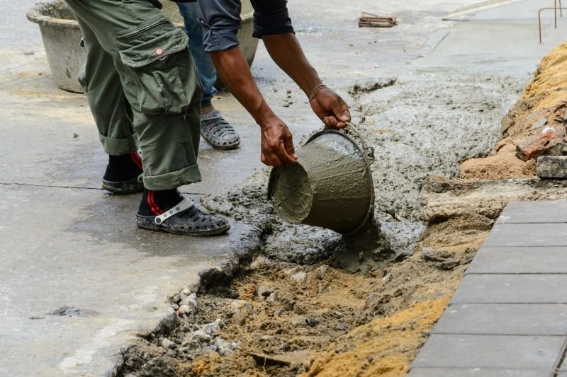 Concrete pouring tips davis concrete for Best temperature to pour concrete